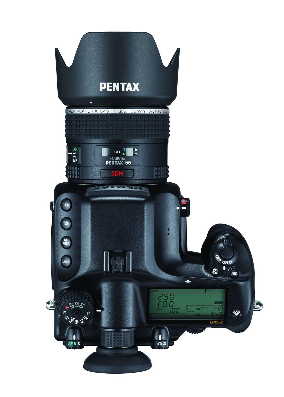 Pentax 645Z, una cámara DSLR de formato medio con sensor de 51,4 ...